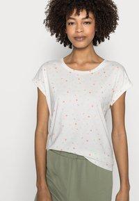 Esprit - T-shirt con stampa - offwhite - 3