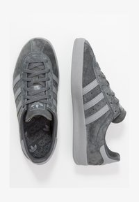 adidas Originals - BROOMFIELD - Sneakers - gresix/grethr/goldmt - 1
