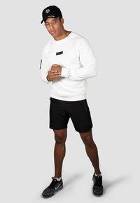 MOROTAI - Sweatshirt - cremeweiß - 1
