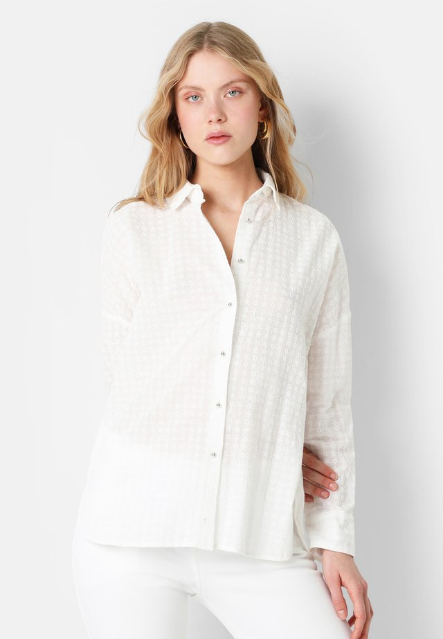 EMBROIDERED - Skjorta - white