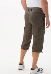 BRAX - STYLE LUCKY - Shorts - khaki - 2