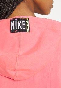 Nike Sportswear - WASH HOODIE - Sweatshirt - sunset pulse/black - 4