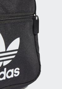 adidas Originals - SLING BAG UNISEX - Taška spříčným popruhem - black/white - 4