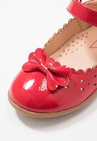 Friboo - Ballerinaskor med remmar - red - 2