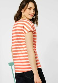 Cecil - Print T-shirt - orange - 1