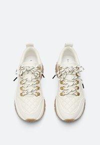 Uterqüe - Sneakers laag - white - 1