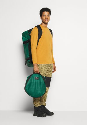 BASE CAMP DUFFEL L UNISEX - Reistas - evergreen/black