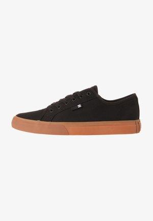 MANUAL - Skateschoenen - black/gum