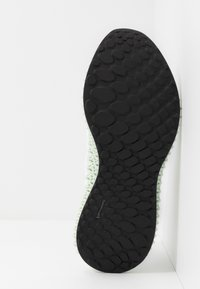 adidas Performance - ALPHAEDGE 4D  - Chaussures de running neutres - footwear white/silver metallic/core black - 4