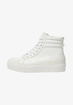 MIT PLATEAU - Sneakers hoog - white