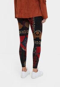 Desigual - GALACTIC - Pantalon en cuir - red - 2