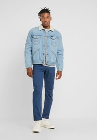 Wrangler - SHERPA - Light jacket - bleached denim - 1