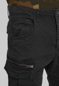 Jack & Jones - JJIDRAKE JJCHOP BLACK - Pantaloni cargo - black - 5