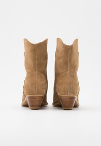 L37 - NIGHT MODE - Cowboy/biker ankle boot - brown - 3