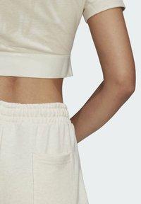 adidas Originals - R.Y.V. CROP TOP - T-shirt basic - white - 5