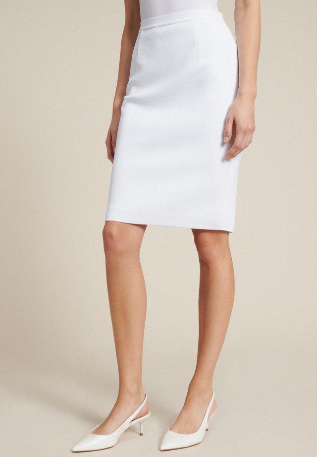 A-snit nederdel/ A-formede nederdele - bianco