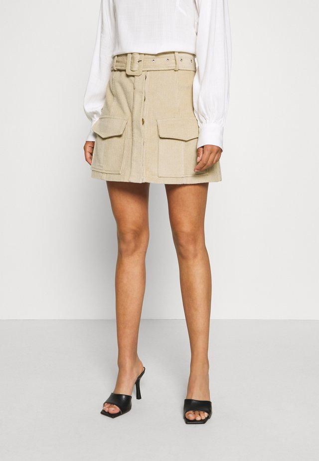 BELTED MINI SKIRT WITH POCKET DETAIL - Kokerrok - stone corduroy