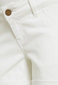 Forever Fit - ROLL UP - Denim shorts - ecru - 2