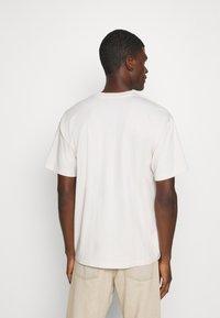 Obey Clothing - BALLOON - Print T-shirt - cream - 2
