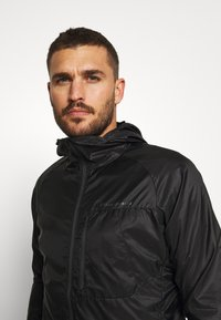 Black Diamond - DISTANCE WIND SHELL - Outdoor jacket - black - 3