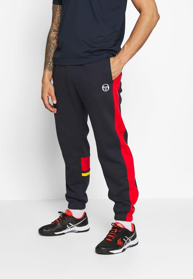 FIROZ - Pantaloni sportivi - navy/vintage red