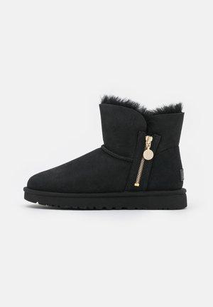 BAILEY ZIP MINI - Zimní obuv - black