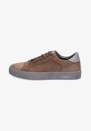 EXIST - Sneakers laag - bruin
