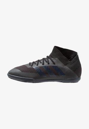 NEMEZIZ TANGO 18.3 IN - Indoor football boots - core black/footwear white