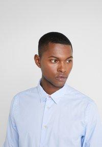 PS Paul Smith - SHIRT SLIM FIT - Formální košile - light blue - 3