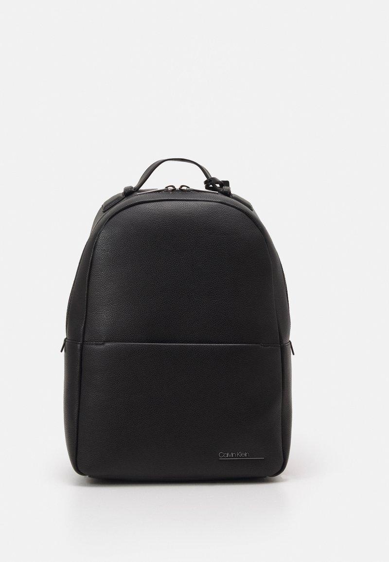 Calvin Klein - ROUND UNISEX - Batoh - black
