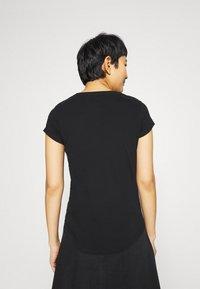 Abercrombie & Fitch - LOGO TEE - Print T-shirt - black - 2