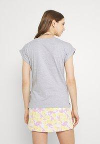 Dedicated - VISBY FLOWER POCKET - Print T-shirt - grey melange - 2