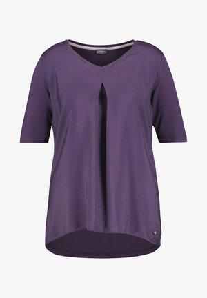 Blouse - purple pennant