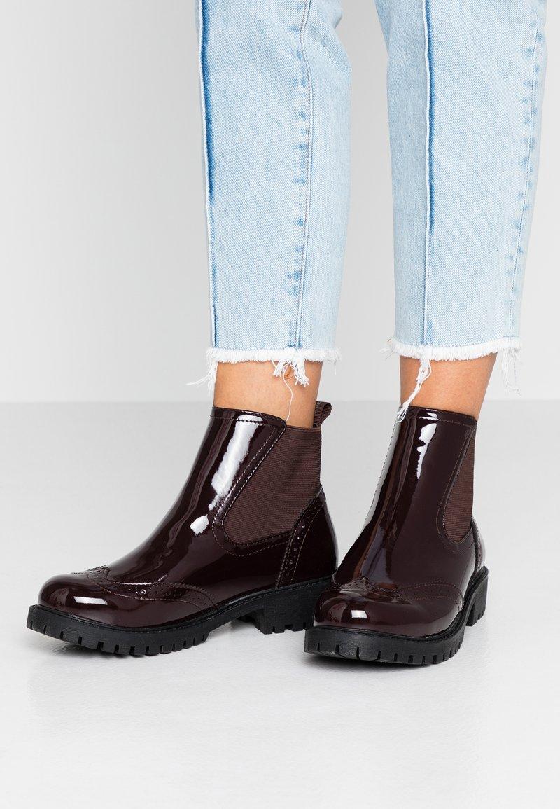 Vero Moda - VMGLORIAFEA - Ankle boots - zinfandel