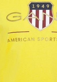 GANT - ARCHIVE SHIELD - T-shirt med print - solar power yellow - 2