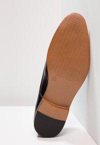 Zalando Essentials - Smart lace-ups - black - 4