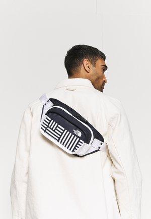 HIP PACK UNISEX - Heuptas - navy/white
