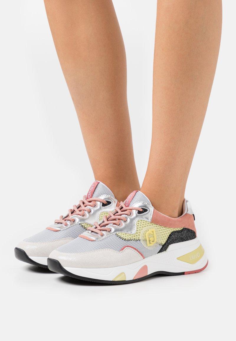 Liu Jo Jeans - HOA  - Sneakersy niskie - white/yellow/coquille