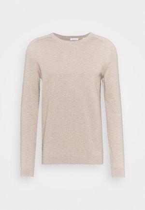 FIELD O NECK - Stickad tröja - light feather gray