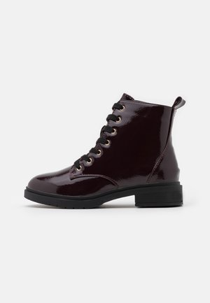 WIDE FIT DIGGER LACE UP - Lace-up ankle boots - dark red