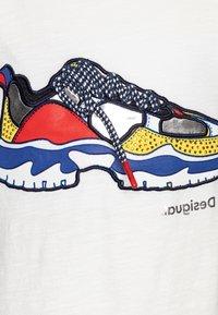 Desigual - DERBY - Camiseta estampada - blanco - 2
