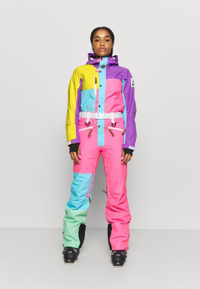 BOATS N HOES  - Zimní kalhoty - multi coloured