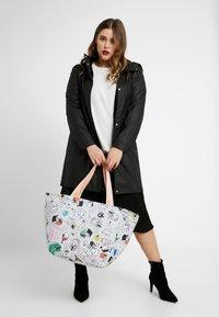 Codello - CODELLO X PEANUTS - Shopping Bag - grey - 1