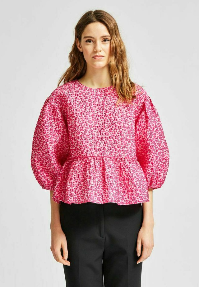 Blouse - very berry