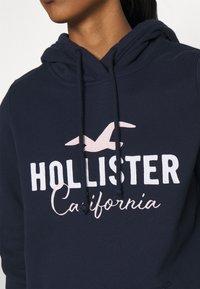Hollister Co. - CHAIN TECH CORE - Hoodie - navy - 4