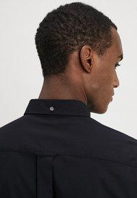 GANT - THE BROADCLOTH - Shirt - black - 4