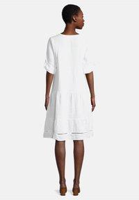 Cartoon - Shirt dress - weiß - 1