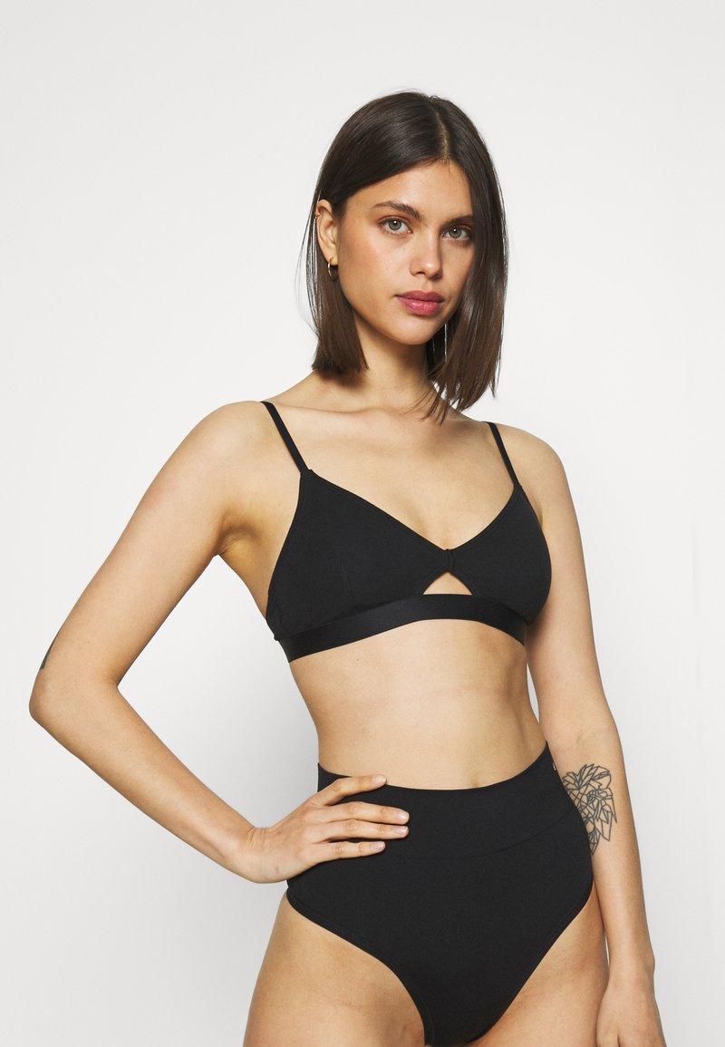 Gilly Hicks - Triangle bra - casual black