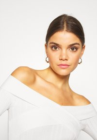 Miss Selfridge - WIDE BARDOT - Jumper - cream - 3