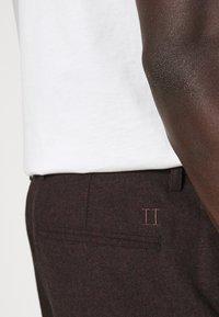 Les Deux - COMO SUIT PANTS - Trousers - burgundy - 4
